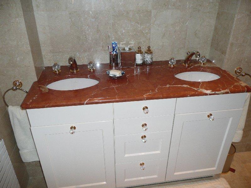Salle de bain marbrerie d coration int rieur marbre charleville m zi res a - Entourage de baignoire ...